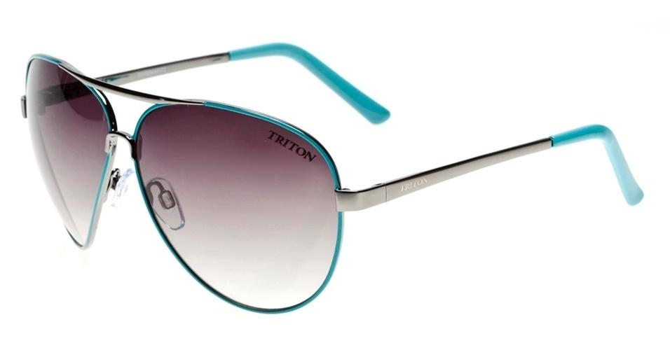 Óculos modelo aviador com detalhe em azul esverdeado, a cor que promete ser a sensação do verão; R$ 159, da Triton Eyewear