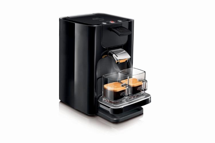 A cafeteira Senseo Quadrante, da Philips (www.philips.com.br), prepara cafés em sistema mono-dose coados e tem capacidade para até 1 litro