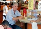 Alex Atala quer levar chef Anthony Bourdain para conhecer feira, esgoto e galeria em SP - Reprodução