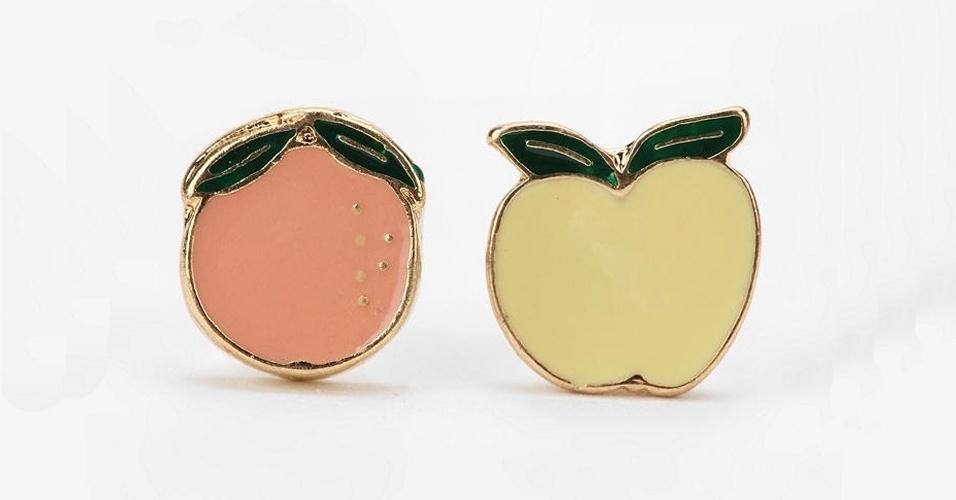 Brincos de frutas da loja online Urban Outfitters