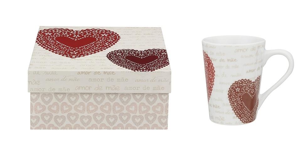 Da Tok&Stok (www.tokstok.com.br), a caixa (30 x 30 x 15 cm) e a caneca, da linha Amor de Mãe, podem ser compradas juntas ou separadas. A caixa é feita de cartão rígido, revestida por papel cuchê, e a caneca é de porcelana