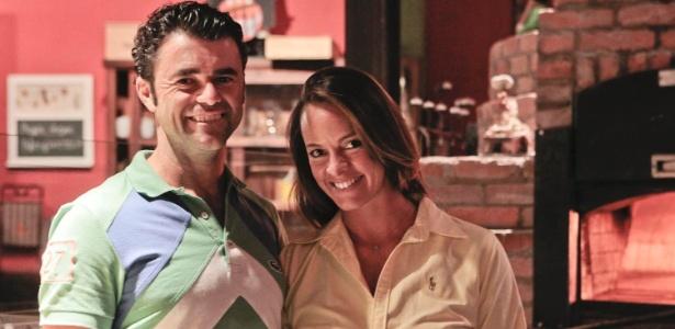 Dono de uma pizzaria, Alessandro só conseguiu ter um bom relacionamento porque Letícia ia visitá-lo - Fernando Donasci/UOL