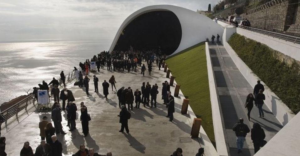 4.mai.2012 - O Auditório de Ravello, na Itália, projetado por Oscar Niemeyer em 2000, foi inaugurado em 2009