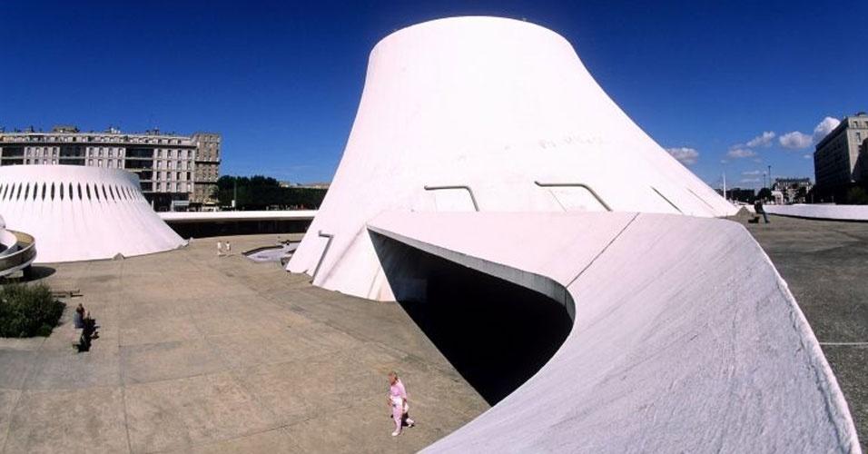 4.mai.2012 - O Centro Cultural de Le Havre, também chamado de Le Volcan, projeto de 1972, foi inaugurado em 1982 em Le Havre, na França