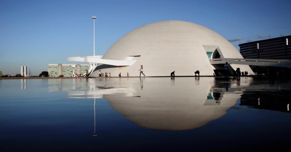4.mai.2012 - Prédio do Museu Nacional de Brasília, desenhado por Oscar Niemeyer e inaugurado em 2006