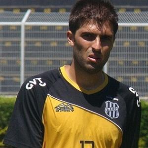 Diego Sacoman continua na Ponte Preta até 2014