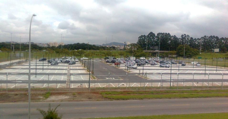 Inaugurado no início de 2012, estacionamento do novo terminal vazio, cena comum no aeroporto de Cumbica, em Guarulhos (SP). Embora o local tenha 316 vagas, a Infraero estima que apenas 45 carros estacionem diariamente ali