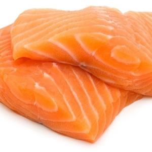 O salmão é um dos peixes ricos em ômega 3