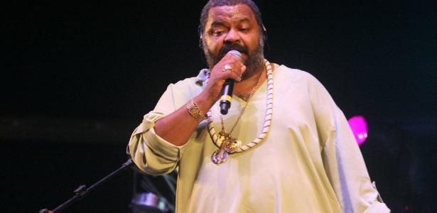 Arlindo Cruz se apresenta no Palco Bangu do Viradão Carioca na noite de sexta. (4/5/2012) - Zulmair Rocha/UOL