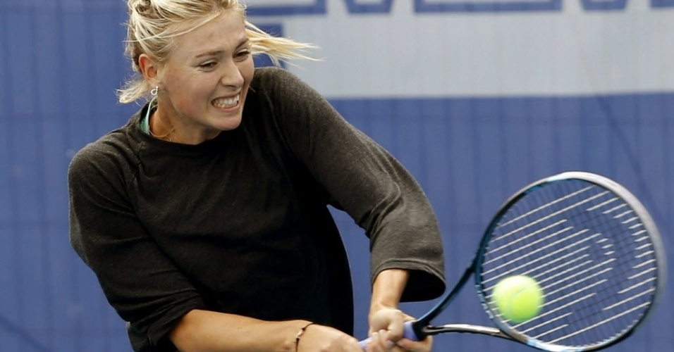 Maior musa do tênis, a russa Maria Saharapova também treinou neste sábado
