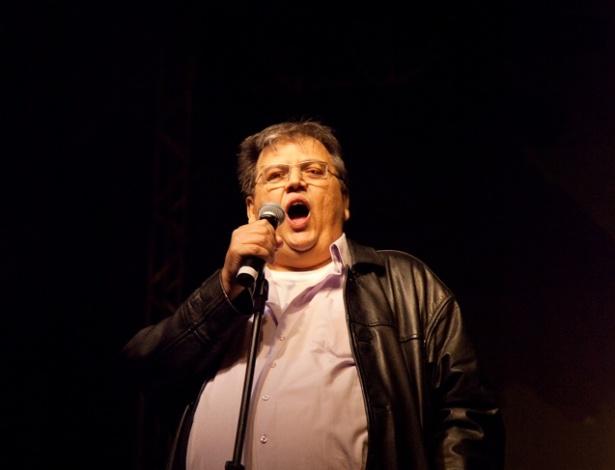 Márcio Ribeiro se apresenta no palco de Stand Up Comedy da Praça da Sé neste sábado (5/5/2012)