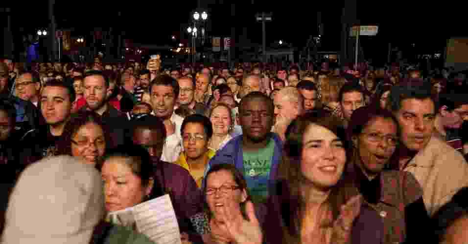 Público assiste a abertura da Virada Cultural de São Paulo no Largo do Arouche, onde Guilherme Arantes se apresentou (5/5/2012) - Guilherme Zauith/UOL