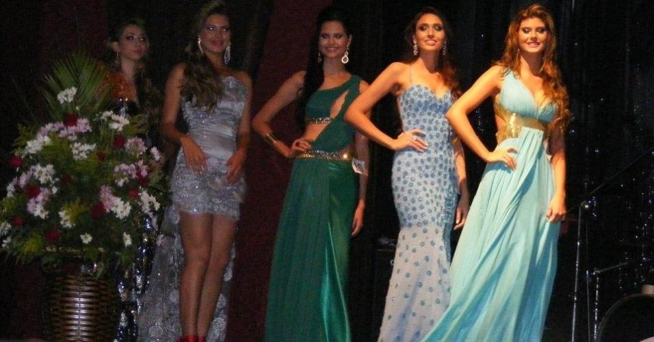 6.mai.2012 - Candidatas desfilam durante concurso que elegeu a nova Miss Mundo Mato Grosso 2013