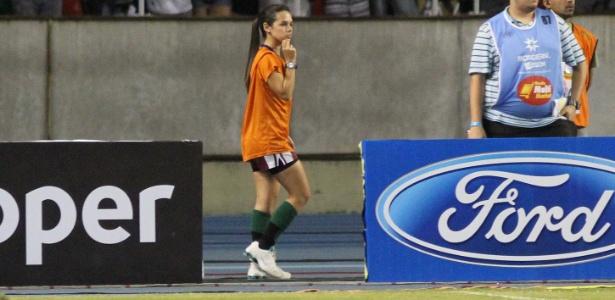 Fernanda Maia, famosa gandula do Engenhão, trabalhou na 1ª final do Estadual do Rio
