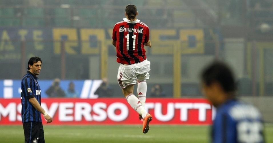 Ibrahimovic comemora muito seu segundo gol na partida