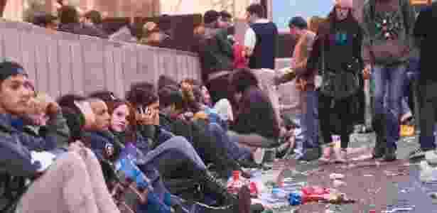 Lixo fica acumulado na Virada Cultural, após show da banda Members of Morphine no palco São João (6/5/12) - Julia Chequer/Folhapress
