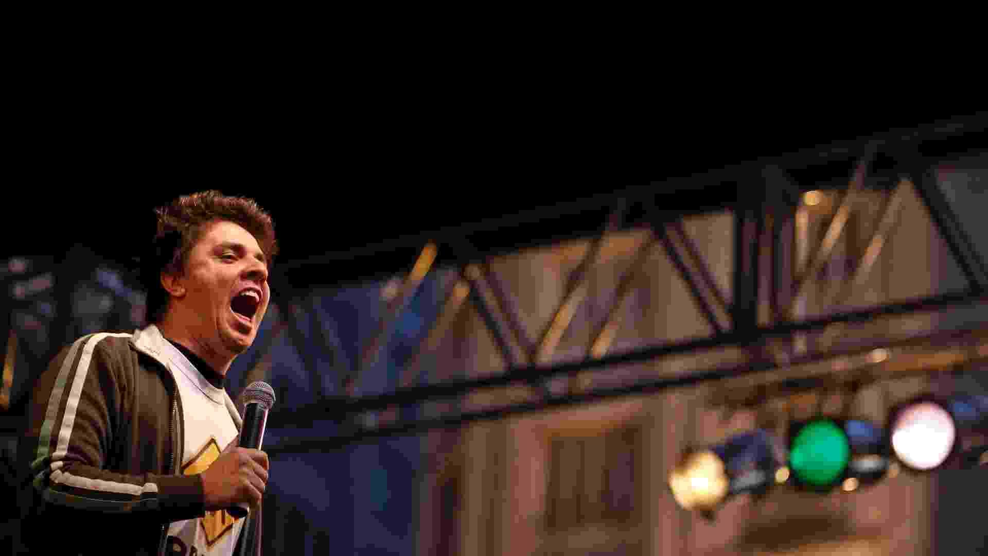 O humorista e membro do CQC Oscar Filho se apresenta no palco de stand-up na Virada Cultural (6/5/2012) - Guilherme Zauith/UOL