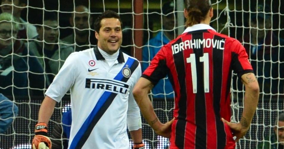 Pênalti para o Milan e Ibrahimovic fica frente à frente com o brasileiro Júlio César