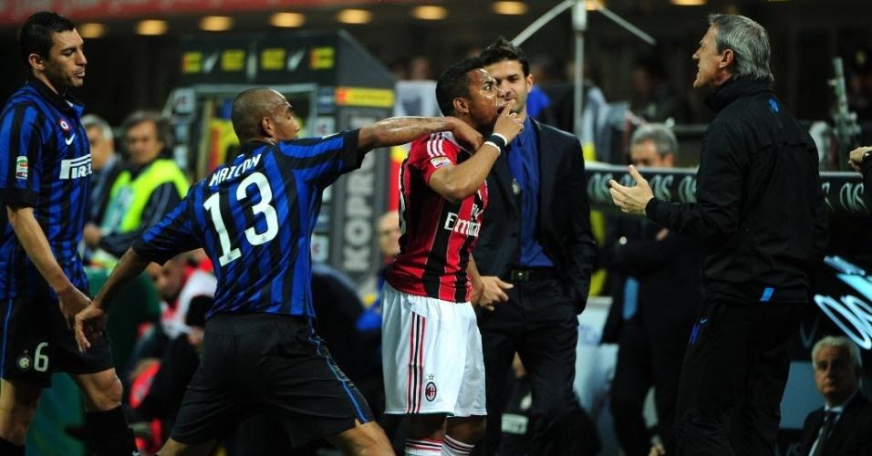 Robinho discute com membro da comissão técnica da Inter e é afastado por Maicon