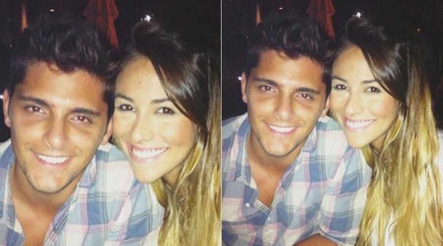 Bruno Gissoni posa ao lado da nova namorada, a estudante Stephanie Marques (7/5/12)