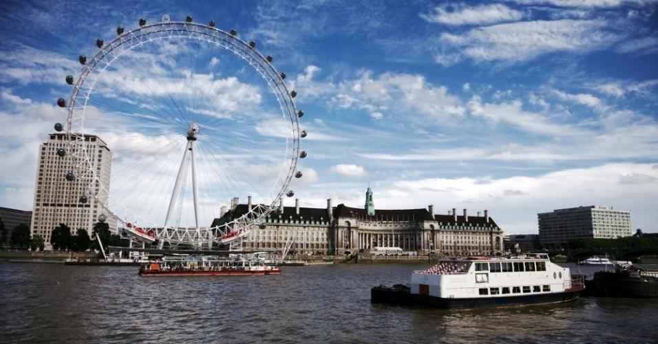 Imagem da London Eye, roda-gigante que é um dos mais importantes pontos-turísticos de Londres