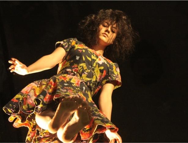 A bailarina brasileira Morena Nascimento se apresenta na Galeria Olido, em São Paulo - Divulgação