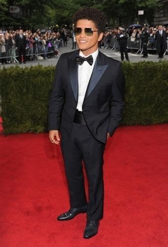 Bruno Mars no baile de gala do MET 2012 (07/05/20120