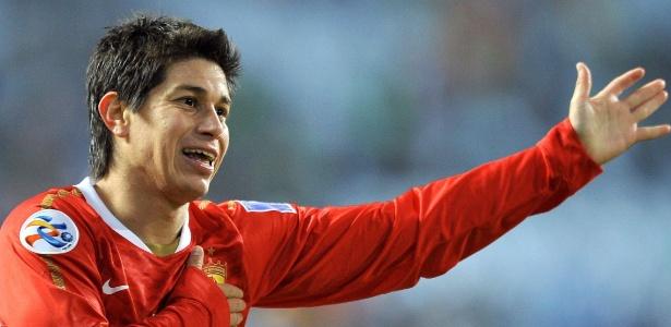 Darío Conca se recupera de lesão no joelho e só definirá futuro no início de 2017