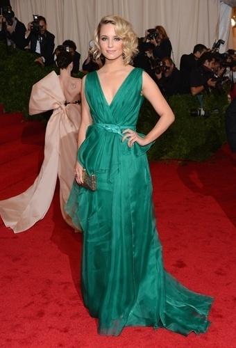 Dianna Agron no baile de gala do MET 2012 (07/05/20120