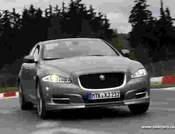 """Jaguar XJ Supersport passa a oferecer o serviço de """"táxi"""" no mítico circuito alemão de Nürburgring - Divulgação/Best Cars"""