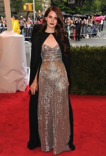 Lana Del Rey no baile de gala do MET 2012 (07/05/20120