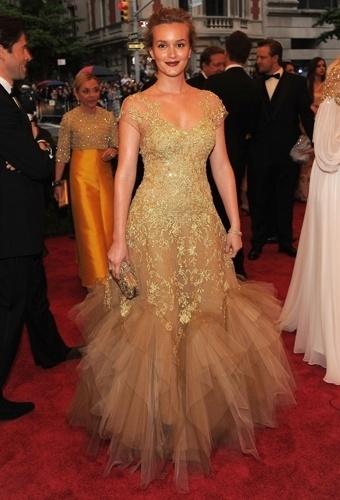 Leighton Meester no baile de gala do MET 2012 (07/05/20120
