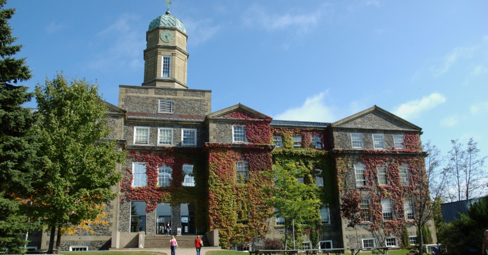 Prédio da administração da Universidade Dalhousie, que fica em Halifax, na província da Nova Scotia