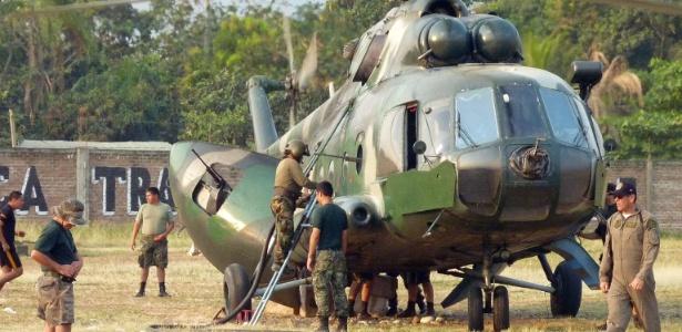 Helicóptero de fabricação russa Mi-17 usado pelas forças do Exército do Peru, de modelo similar ao que desapareceu