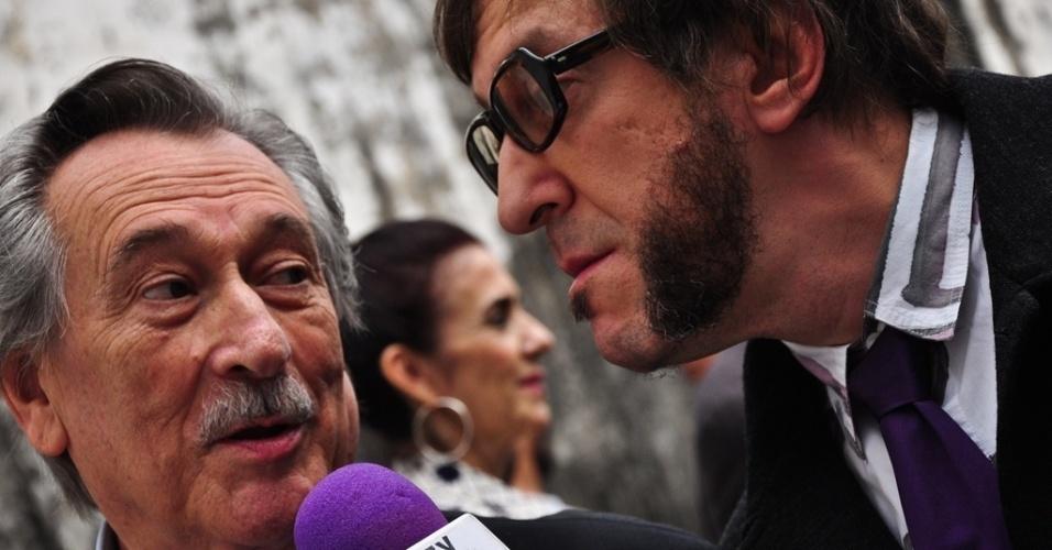 """Paulo Goulart e Thunderbird em cena de """"Luz nas Trevas - A Volta do Bandido da Luz Vermelha"""""""