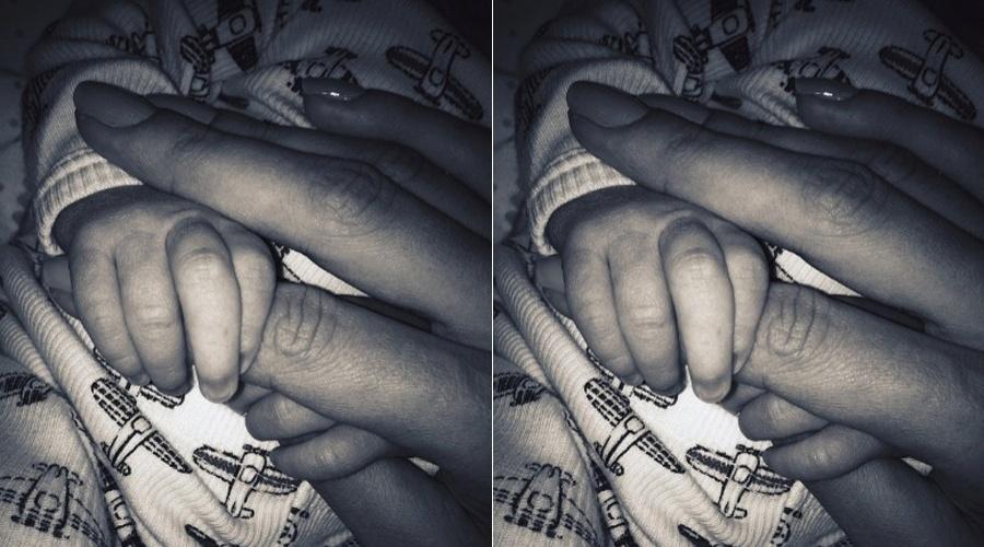 Alessandra Ambrósio mostra a foto do filho recém-nascido, Noah Phoenix (10/5/12)