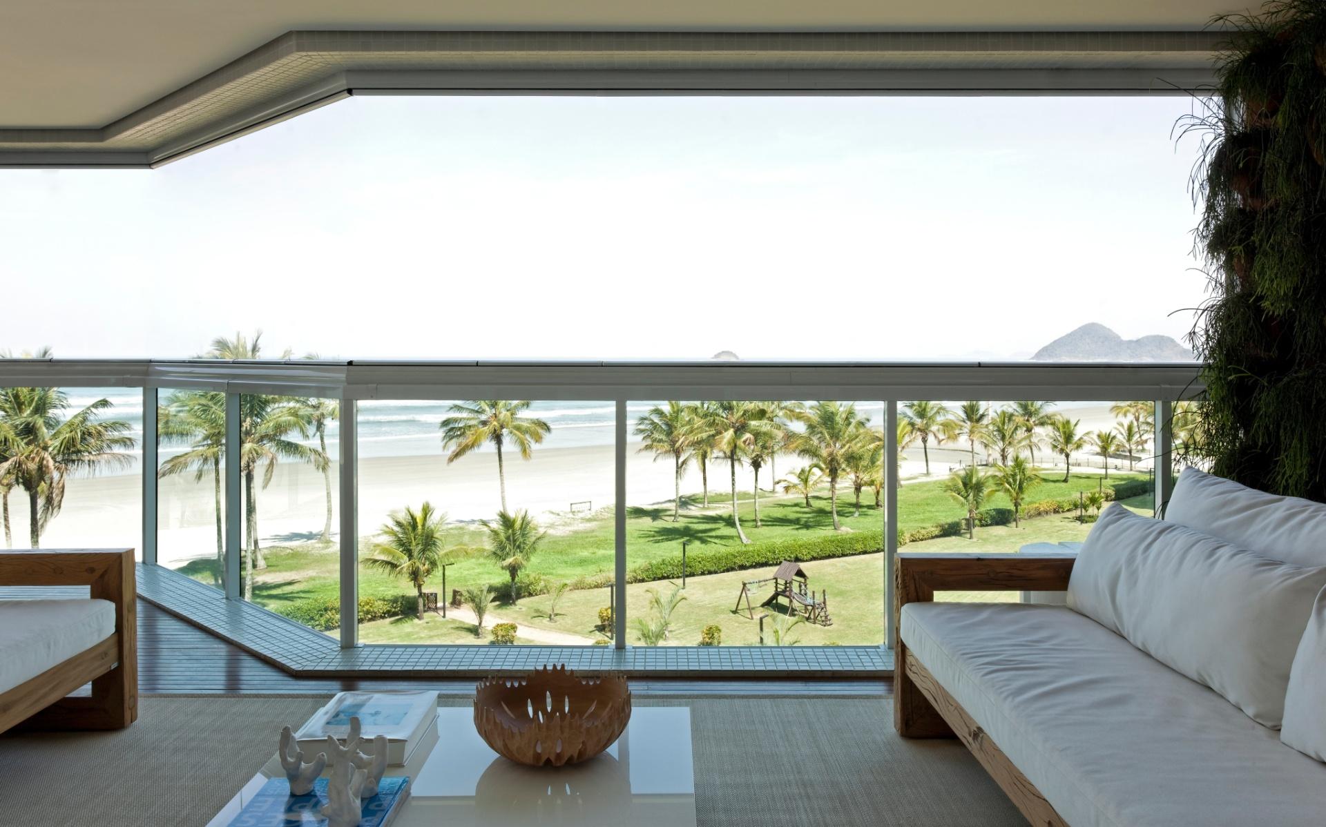 Apartamento na Riviera de São Lourenço, com 210 m² - decorado pelo arquiteto Diego Revollo