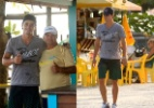 Ex-BBB Fael passeia pela orla da praia, no Rio (Foto: Photo Rio News)