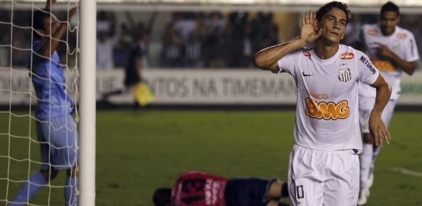 Paulo Henrique Ganso vive  dia D  para trocar o Santos por Grêmio ou São 568cf84fad9b3