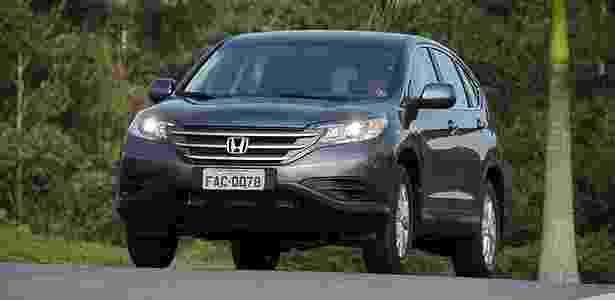 Honda CR-V LX: nada pode ser mais agradável do que trocar marchas num carro bom - Murilo Góes/UOL