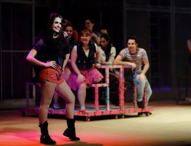 """No espetáculo """"Fame"""", Paloma Bernardi interpreta a jovem e inconsequente Carmem Diaz, uma artista que não mede consequências para ficar famosa - Leandro Moraes/UOL"""