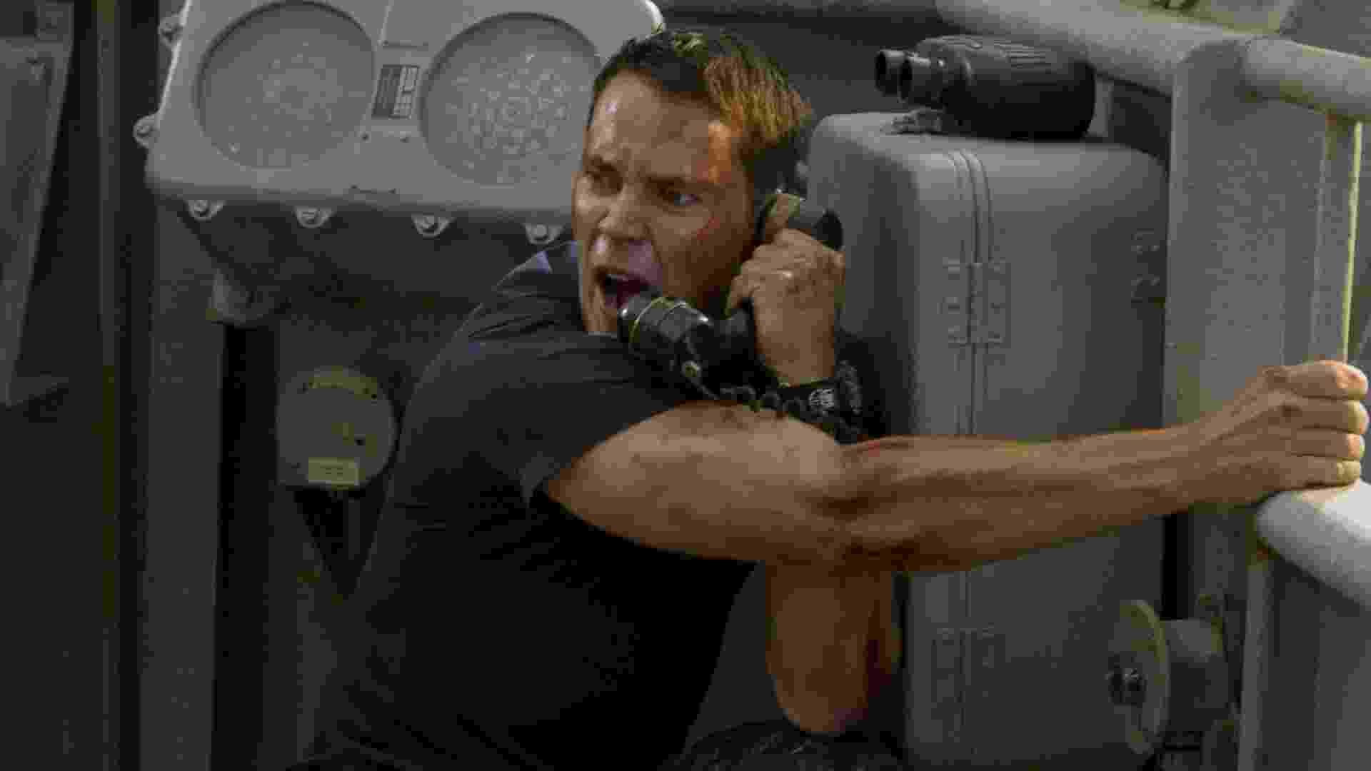 """Taylor Kitsch em cena do filme """"Battleship - A Batalha dos Mares"""", de Peter Berg - Divulgação"""