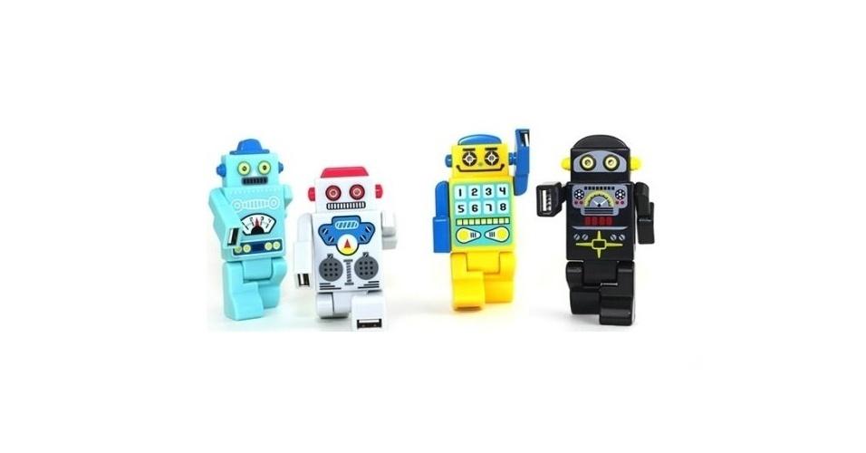 Coloridos, os Robot USBs são hubs USB portáteis. As quatro portas do Hub ficam nos braços e pernas do robozinho. Quando o robô é conectado ao computador, os olhos de Led deles acendem