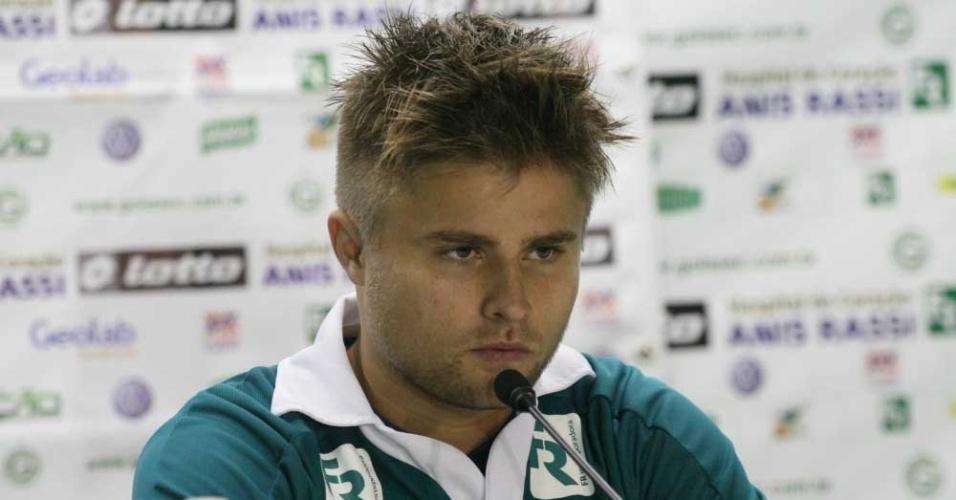 Eduardo Sasha concede primeira entrevista como jogador do Goiás