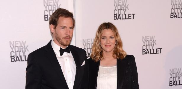 A atriz Drew Barrymore ao lado de seu ex-marido Will Kopelman - Getty Images
