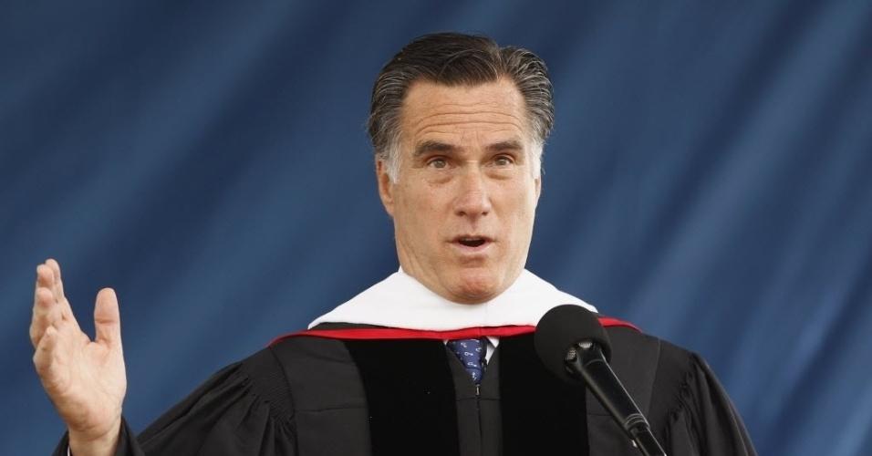 12.mai.2012-Pré-candidato republicano à Casa Branca, Mitt Romney, discursa para estudantes da Liberty University, maior universidade cristã dos Estados Unidos, localizada na Virgínia