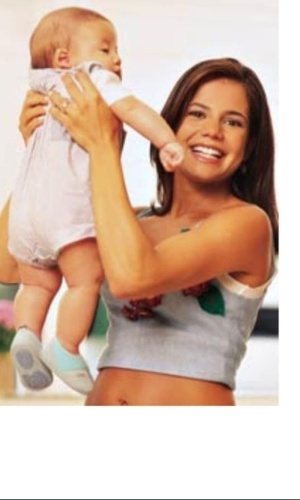 Atriz Nívea Stelmann publicou foto com antiga do filho, Miguel, quando ele ainda era um bebê (12/5/12)