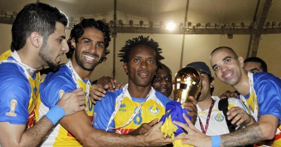Zé Roberto e Diego Tardelli celebram conquista da Copa do Emir, pelo Al-Gharafa