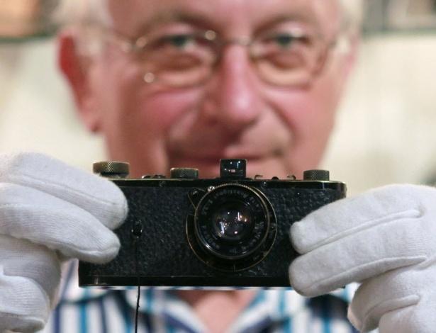 Câmera Leica de 1923 é vendida por  2,8 milhões de dólares em um leilão em Viena (13/5/12) - Reuters