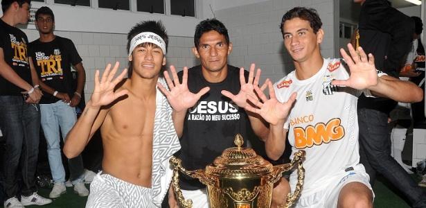 Durval alcançou marca defendendo Botafogo-PB, Brasiliense, Atlético-PR, Sport e Santos